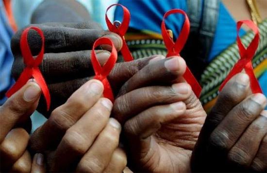 Enemigos microscópicos II: El VIH