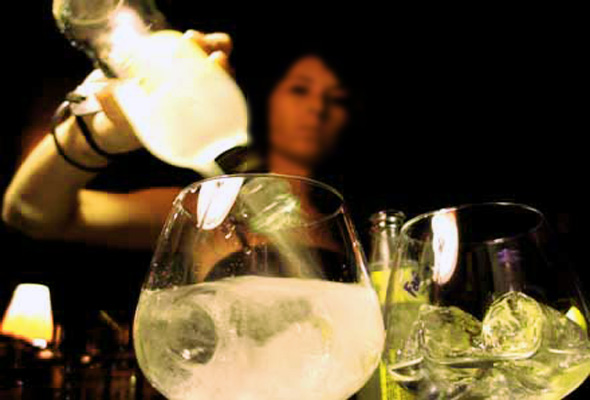 ¿Adelgazan o engordan las bebidas alcohólicas?