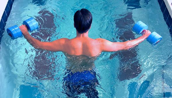 Ejercicio f sico y tratamiento en el medio acu tico for Ejercicios en la piscina