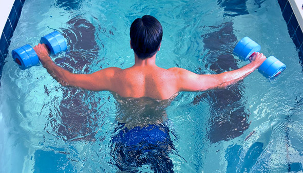 gimnasia piscina