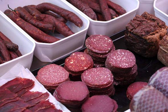Más de 20 gramos al día de carne procesada aumenta el riesgo de muerte