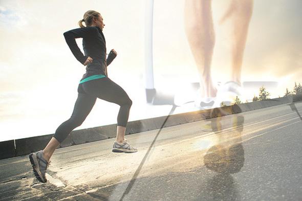 ¿Es lo mismo correr en la calle que sobre una cinta?